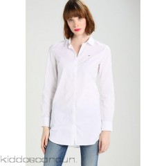 <b>Notice</b>: Undefined index: alt_image in <b>/home/kiddoscancun/public_html/vqmod/vqcache/vq2-catalog_view_theme_cerah_template_product_category.tpl</b> on line <b>73</b>Tommy Jeans Shirt - classic white - Womens Shirts TOB21E002-A11