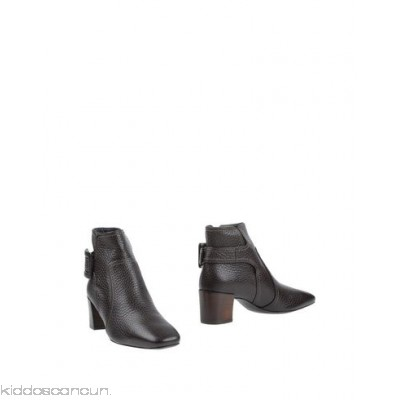 ROGER VIVIER Ankle boot - textured leather buckle solid colour elasticised gores round toeline square heel - Womens Ankle Boots 11319098BB