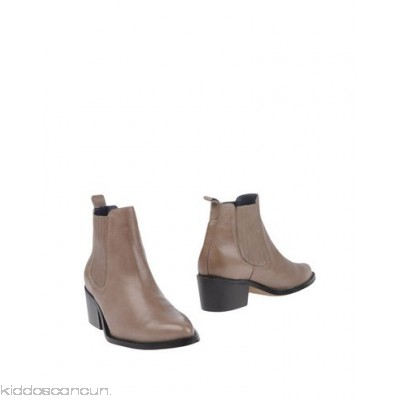 CROSS WALK Ankle boot - no appliqués solid colour narrow toeline leather lining rubber sole cuban heel - Womens Chelsea Boots 11230330CL
